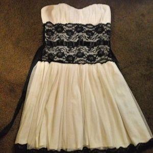 Mystic Cocktail Dress white tuille black lace